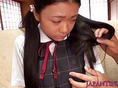 بیدمشک آسیایی عاشق بسیاری از عکس زن تپل سکسی خروس ها است